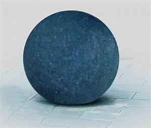 Granit Abdeckplatten Preis : kugelquelle granit schwarz atlas natursteine ~ Markanthonyermac.com Haus und Dekorationen