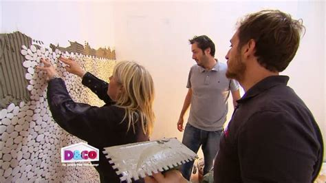 comment poser des plaques de galets sur les murs sur deco fr