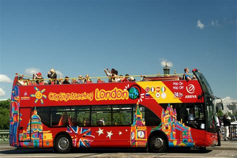 London Sightseeing Bus And Boat by London Sightseeing Hop On Hop Off Tour Autos Post