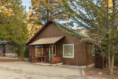 Rustic Cabin 6  Idyllwild Inn