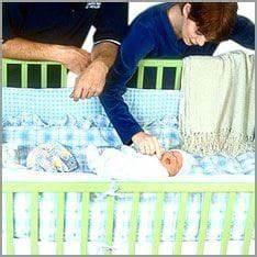 Baby Schläft Nicht Im Eigenen Bett : wie babys sicher schlafen familie und kinder berichte ~ Markanthonyermac.com Haus und Dekorationen