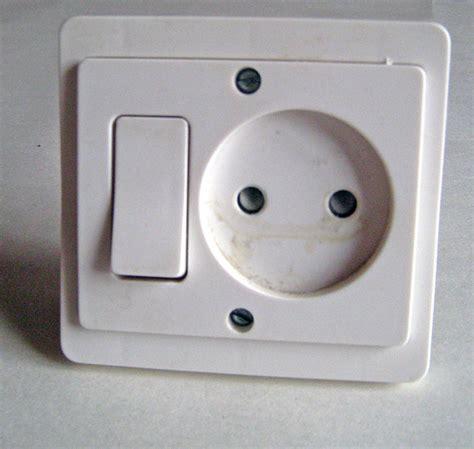 changer interrupteur prise de courant branchement 233 lectrique bricolage maison conseils