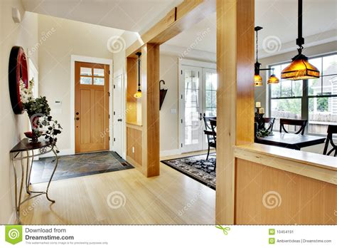vestibule 224 la maison d entr 233 e image stock image 10454191