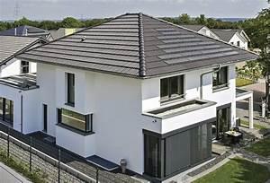 Moderne Häuser Walmdach : pin von fachinger auf haus pinterest haus einfamilienhaus und haus bauen ~ Markanthonyermac.com Haus und Dekorationen