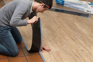 Linoleum Pvc Unterschied : vinyl b den mit holzoptik my lovely bath magazin f r bad spa ~ Markanthonyermac.com Haus und Dekorationen