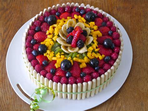 g 226 teau d anniversaire aux fruits mes recettes tout simplement