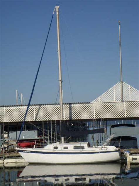 Boat Storage Lake Ray Hubbard by Cal 27 1975 Lake Ray Hubbard Dallas Rockwall Texas