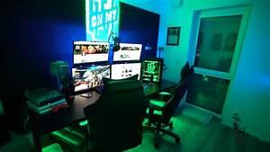 Computer Im Schlafzimmer : wo bekomm ich einen gro en gaming tisch ~ Markanthonyermac.com Haus und Dekorationen