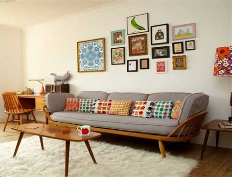 Retro Living Room Furniture Sets Combine With Cream Rugs