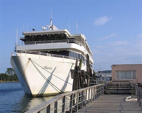 Long Island Casino Boat by Nautical Mile Casino Boats