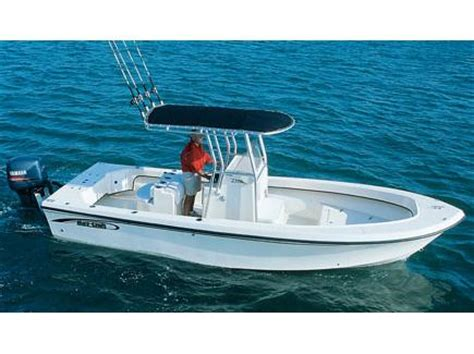 Maycraft Boats Youtube by 2017 May Craft 2300ccx Boats