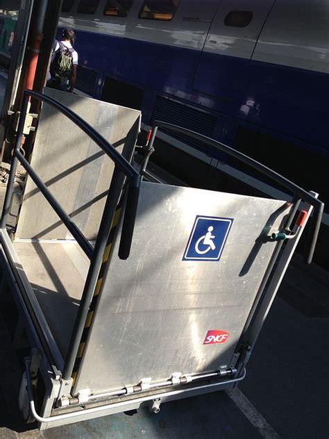 file 201 l 233 vateur pour fauteuil roulant sncf jpg wikimedia commons