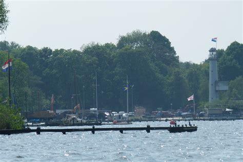 Woonboot Paterswoldsemeer by Groningen Geniet Volop Van Zomerzon Oog Radio En Televisie