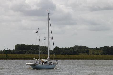 Zeilboot Foto by Een Zeilboot Op De Zeeland Op Foto