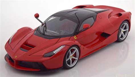 18 Hot Wheels Ferrari Laferrari 2013 Red/black