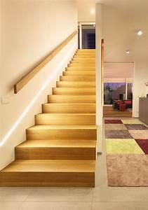 Handlauf In Wand : die besten 25 handlauf treppe ideen auf pinterest handlauf flurbeleuchtung schienen und ~ Markanthonyermac.com Haus und Dekorationen