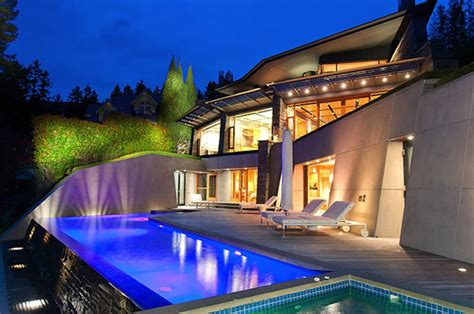 24 8 million oceanfront modern contemporary masterpiece in west vancouver extravaganzi