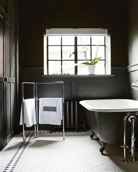 black and white bathroom decor ideas 2017 grasscloth