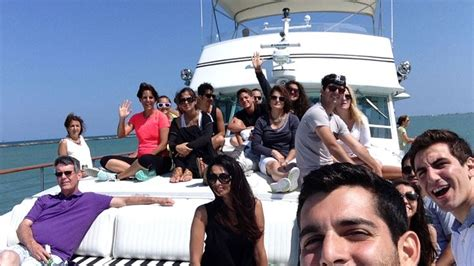 Boat Rentals In Chicago For Parties by Best 7 Party Boat Charter Chicago Images On Pinterest