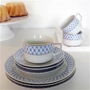Geschirr Blau Weiß : vintag geschirr blau wei gemustert 9teilig gute stube ~ Markanthonyermac.com Haus und Dekorationen