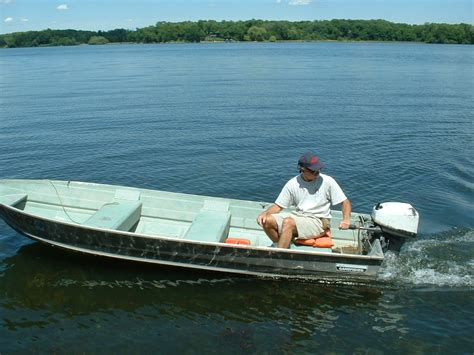 Small Boat Jobs by Small Aluminum Fishing Boats Now That S A Fish Fishing