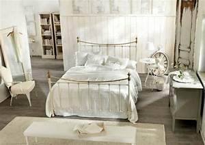 Vintage Zimmer Einrichten : schlafzimmer im shabby chic wohnstil einrichten ein hauch romantik ~ Markanthonyermac.com Haus und Dekorationen