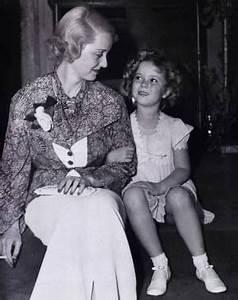 Rare shot of super stars Bette Davis and Shirley Temple ...