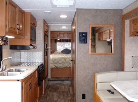 Class C Motorhome Interiors : Class C Motorhome Rental