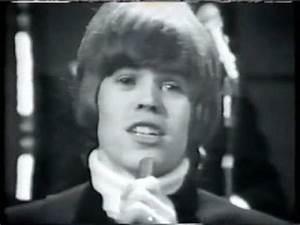 "Herman's Hermits ""Something's Happening"" 1968 - YouTube"