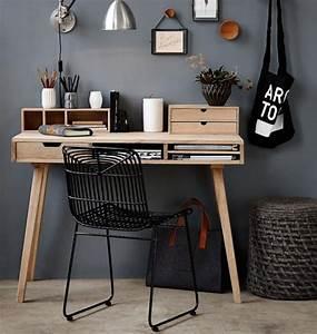Schreibtisch Im Wohnzimmer : helles eichenholz und dunkle graut ne wirken entspannend bild 11 living at home ~ Markanthonyermac.com Haus und Dekorationen