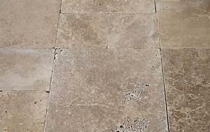Bodenbelag Günstig Kaufen : travertinfliesen noce antikmarmor getrommelt online kaufen ~ Markanthonyermac.com Haus und Dekorationen