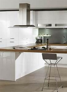 Weiße Hochglanz Küche Reinigen : k che in wei matt oder hochglanz was ist besser bartheke wei e k chen und barst hle ~ Markanthonyermac.com Haus und Dekorationen