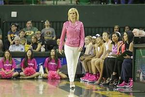 Baylor University women's basketball coach Kim Mulkey ...