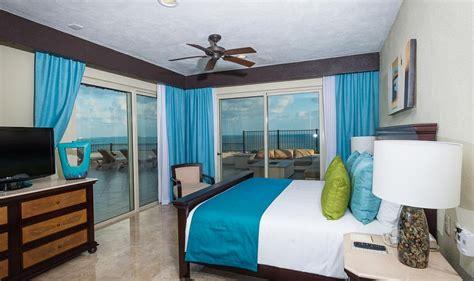 Two Bedroom Penthouse  Villa Del Palmar Cancun