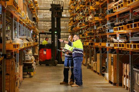 Improving Customer Service Through Warehouse Organization