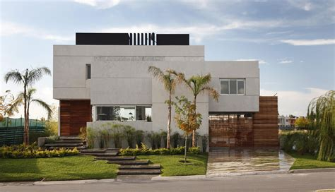 Minimalist House : Minimalist House Design Decorating Urban Garden Astounding