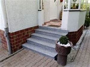 Treppenaufgang Außen Gestalten : treppe aussen haus eingang podest naturstein granit beton stufe setz schwarz haus unternehmen ~ Markanthonyermac.com Haus und Dekorationen
