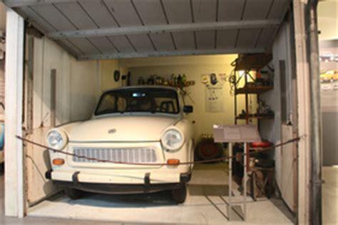 Bild  Foto Trabant 601 (1970)  In Einer Nachgebauten