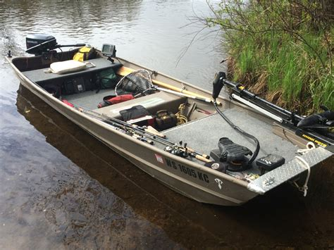 Small Boat Fishing Magazine by Specialize Your Small Fishing Boat With Custom Modifications