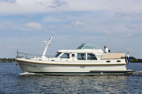 Holiday On A Boat Uk by Linssen Holiday Boat Hobbs Of Henley