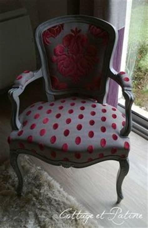 peinture effet craquel 233 et patine tissus gris pois blanc comment recouvrir un fauteuil berg 232 re