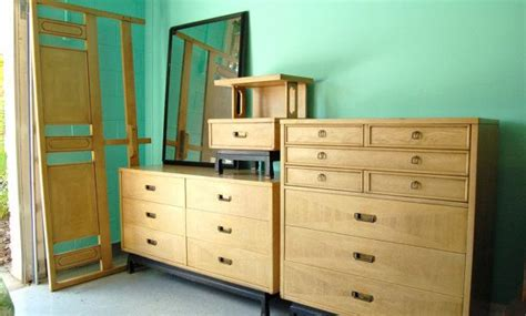 beautiful and bedroom set by american of martinsville