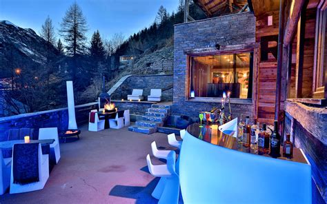 luxury ski chalet chalet quezac tignes les br 233 vi 232 res firefly collection