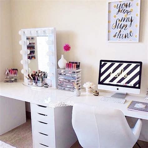 Vanity And Work Desk Combo by 17 Best Ideas About Vanity On Makeup