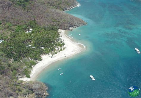 Catamaran Para Isla Tortuga by Isla Tortuga Costa Rica