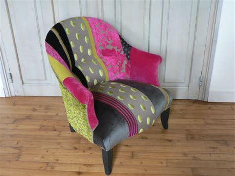 restaurer un fauteuil crapaud table de lit a roulettes