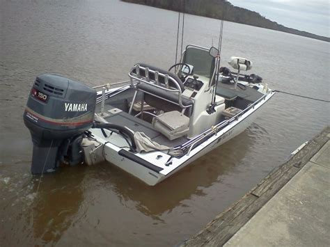 Xpress Boat Dealers In Baton Rouge by 2000 Xpress X18p W 150 Yamaha Center Console For Sale In