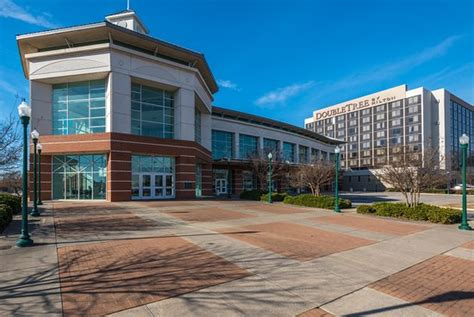 fort smith convention center picture of doubletree by