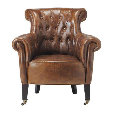 fauteuil capitonn 233 224 roulettes en cuir marron maisons du monde