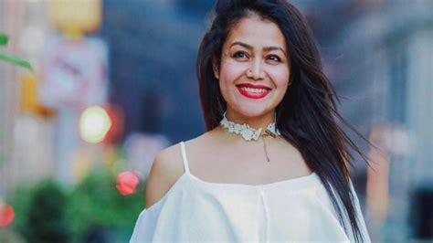 Neha Kakkar Breaks The Internet With Her Hot Moves On